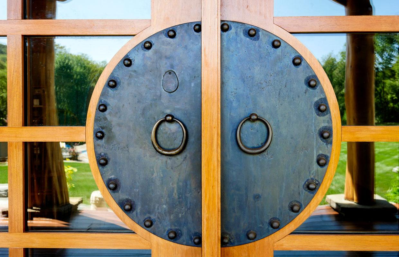 Asian style circular door handle